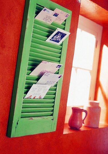 Una contraventana para organizar el correo ideas-para-decorar Blog Decoracion