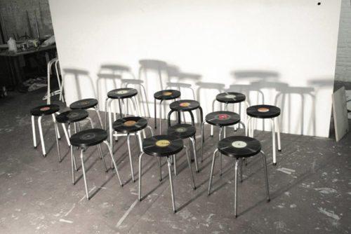 Discos de vinilo para personalizar taburetes muebles-decoracion, ideas-para-decorar, complementos-decoracion-2 Blog Decoracion