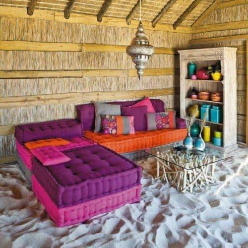 sofa hecho con cojines