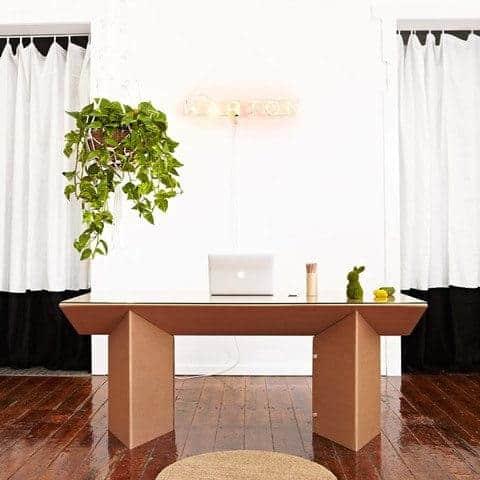 escritorio de cartón